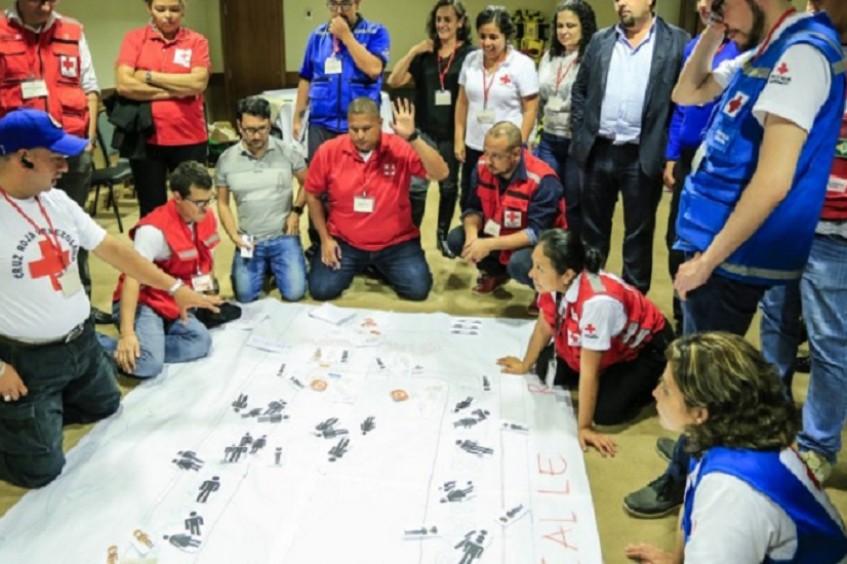 Primeiros socorros em situações de violência é tema de encontro de representantes da Cruz Vermelha da América Latina