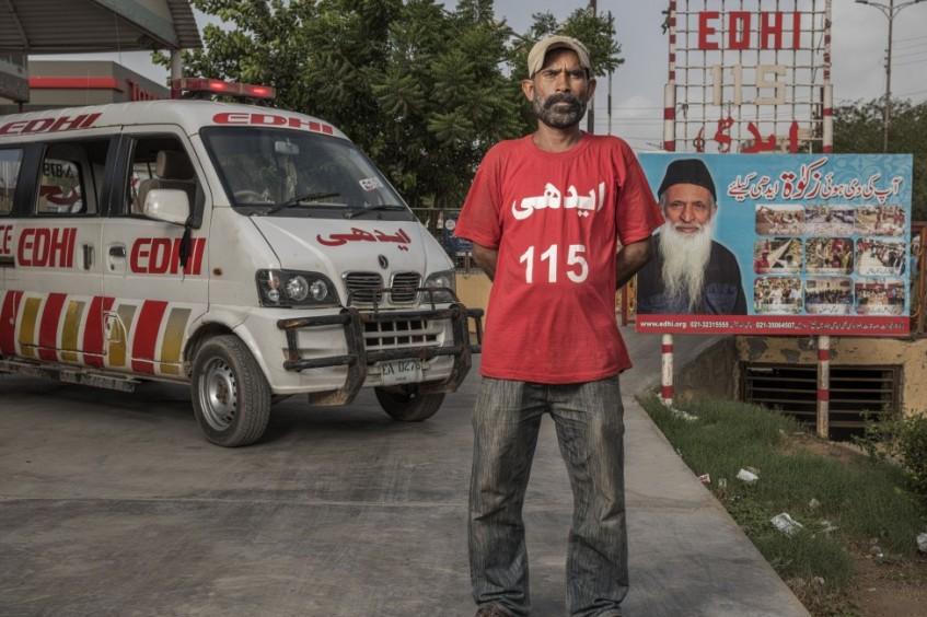 Los héroes desconocidos de Pakistán: trabajadores de la salud corren riesgos para salvar vidas
