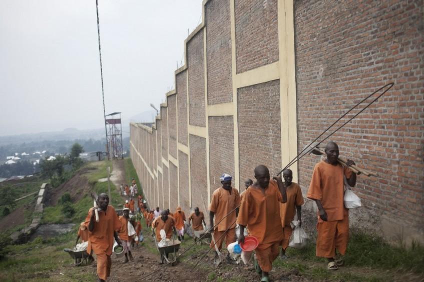 Руандийская тюрьма Рубаву: повседневная жизнь
