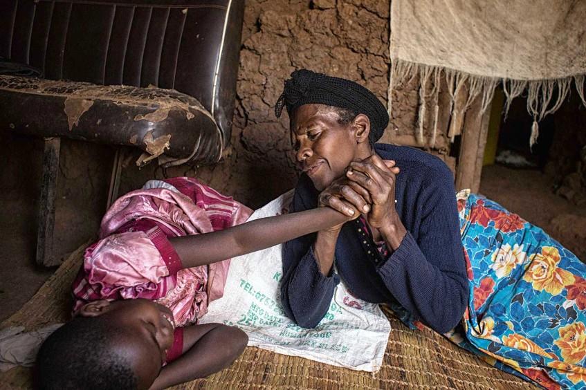 Entre Congo et Rwanda, une photojournaliste et deux petites filles entourées d'amour
