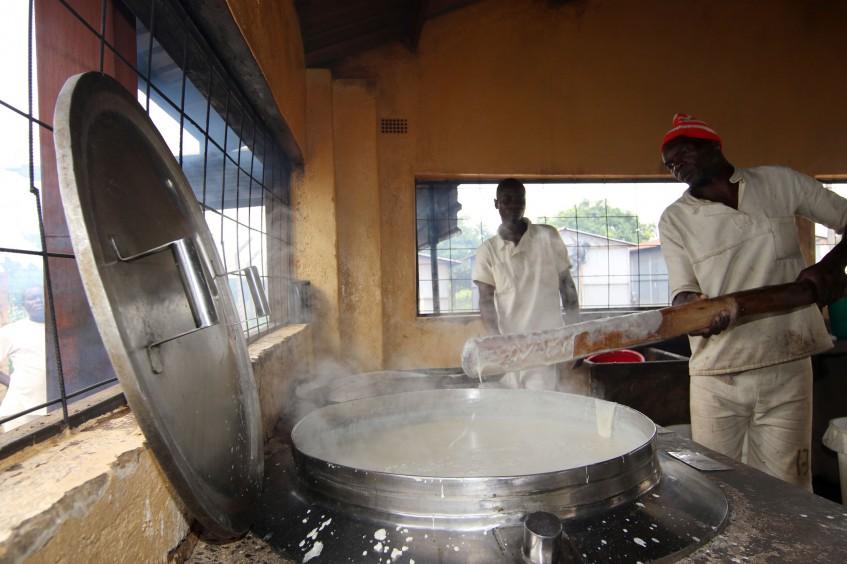 Simbabwe: Verbesserung der Kochmöglichkeiten für Häftlinge