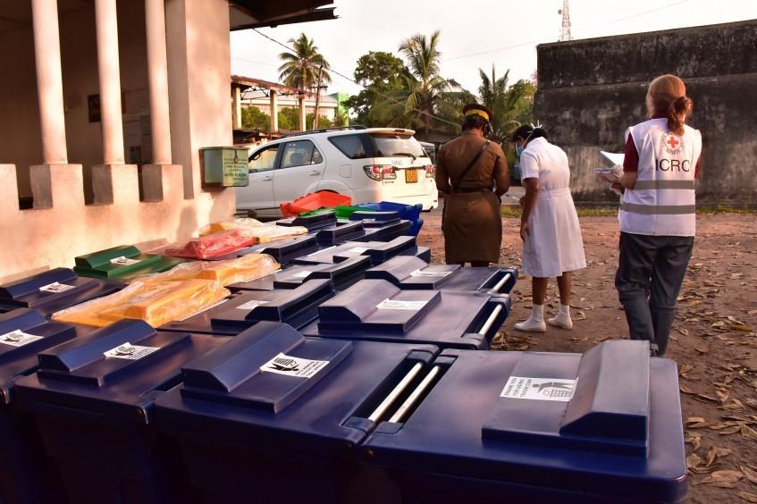 斯里兰卡:在新冠肺炎疫情期间支持有关当局保护被拘留者和公众健康