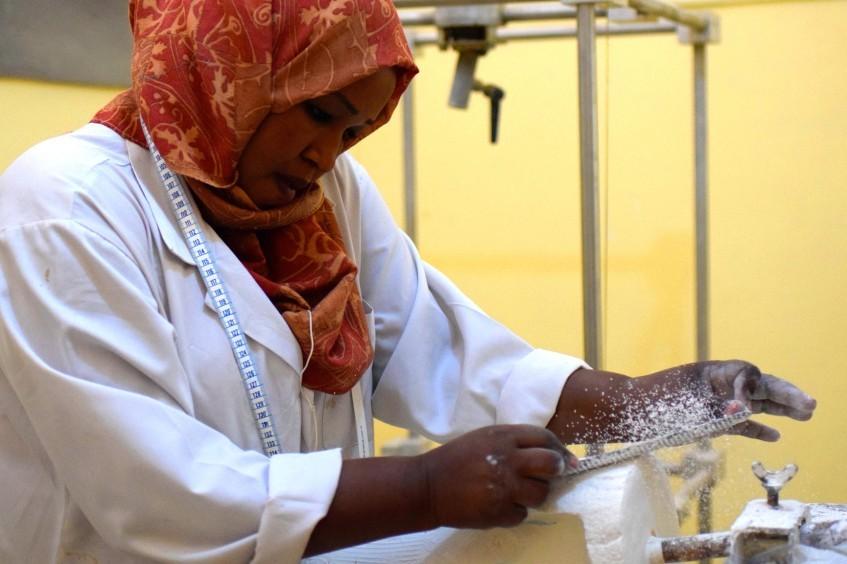 السودان: مساعدة الأشخاص ذوي الإعاقة هو هدف هذه المرأة