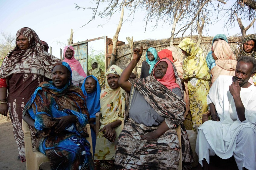 In Sudan's Blue Nile State displaced families wait for water in Damazine