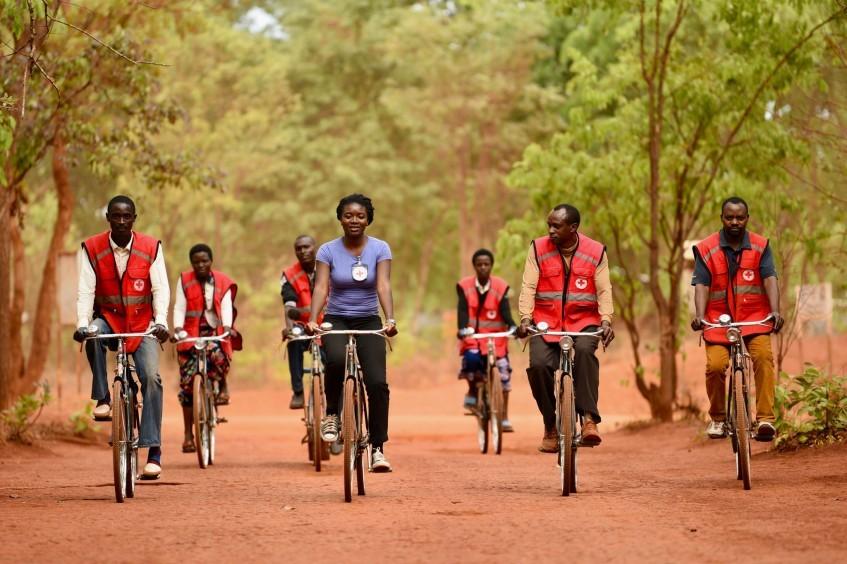 在坦桑尼亚西部帮助离散家庭团聚