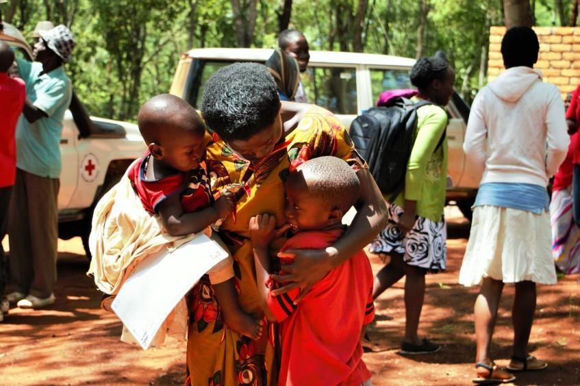 帮助在坦桑尼亚生活的难民重建家庭联系