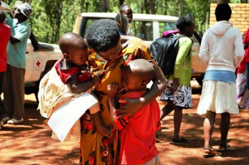 Restabelecimento de laços familiares para refugiados na Tanzânia
