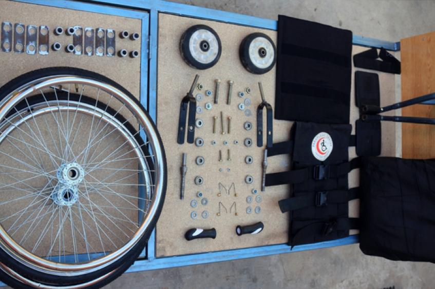 白沙瓦截瘫中心的创新轮椅
