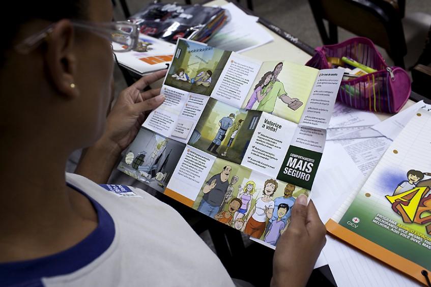"""""""La capacitación en Acceso más Seguro ayuda a buscar alternativas"""" - Entrevista con la asistente social Vanusa Alves Lima"""