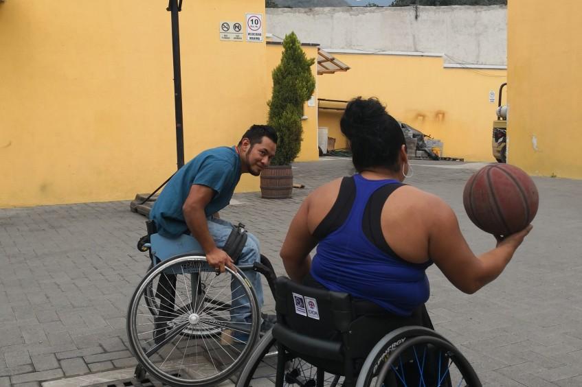 Guatemala: jugadores en silla de ruedas participarán en un campamento impartido por Jess Markt, estrella del baloncesto de EE.UU.