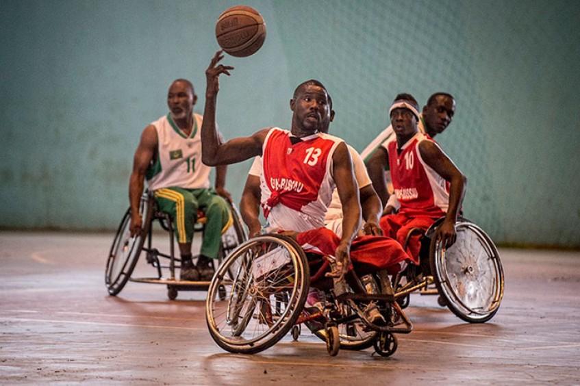 体育运动帮助战争和武装冲突受害者康复