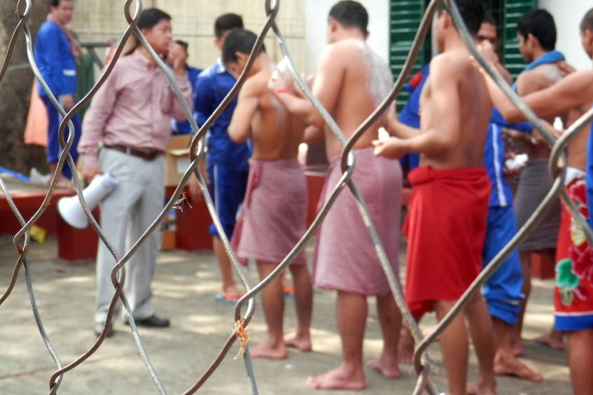 Camboya: combatir las causas de la sarna en las cárceles