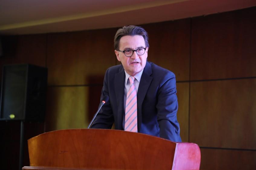 红十字国际委员会经济顾问克劳德·瓦拉访谈