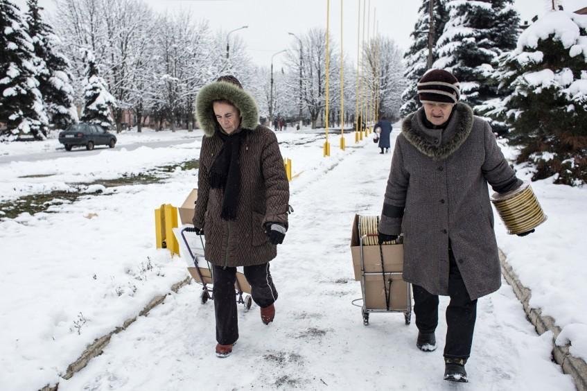 Women on the front line in eastern Ukraine