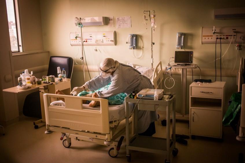 Brasil: profissionais de enfermagem merecem valorização e proteção em meio à COVID-19