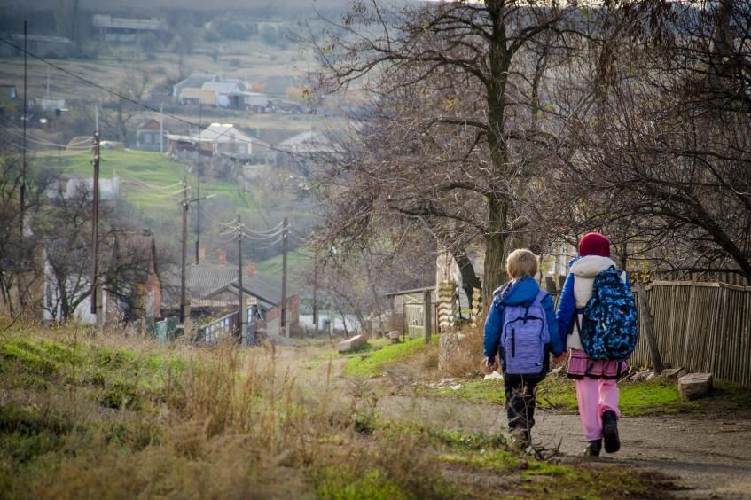 Ukraine : sensibiliser les enfants vivant le long de la ligne de contact aux dangers du conflit