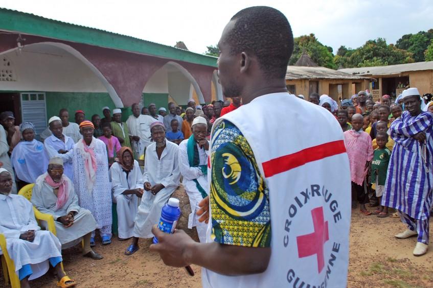 """消灭埃博拉需要持续资源和""""正确言语"""""""