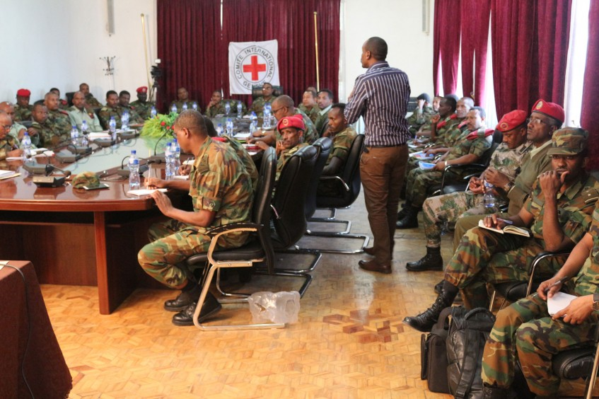 Ethiopia: Army officers discuss laws of armed conflict and international human rights standards