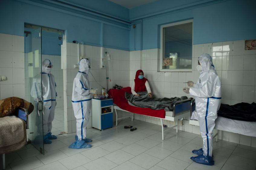 اللجنة الدولية: 600 حادثة عنف مرتبطة بكوفيد-19 ضد مقدمي الرعاية الصحية