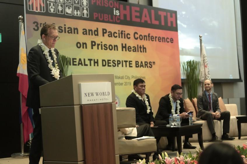 铁窗内的医疗卫生:亚太地区大力应对监狱卫生问题