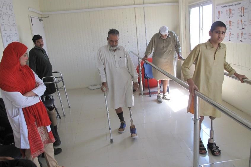 红十字国际委员会向印度河医院系统移交三个假肢康复中心