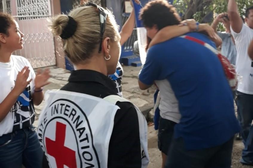 Nicaragua: el CICR acompaña el traslado de personas liberadas a sus hogares