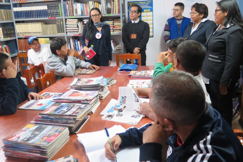 The books travelling through Peru's prisons