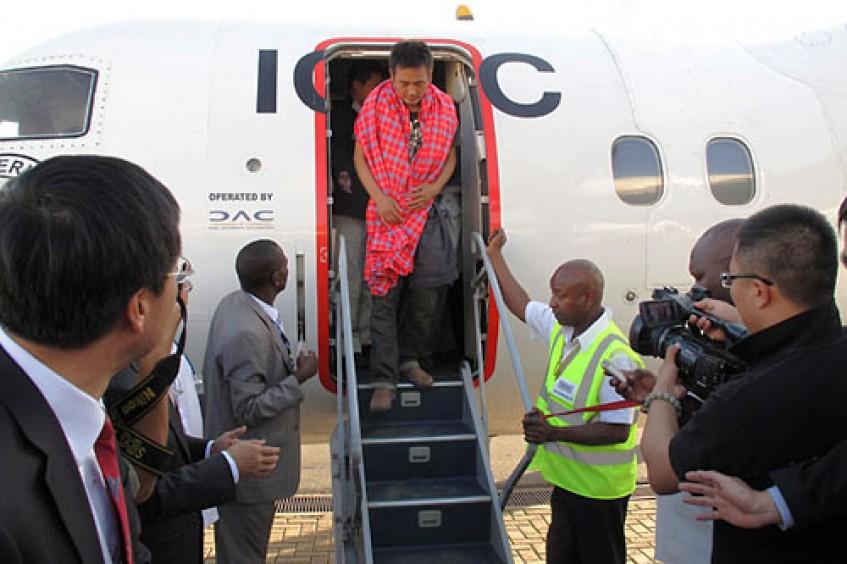 السودان/كينيا: اللجنة الدولية للصليب الأحمر تسهّل نقل المواطنين الصينيين المُفرج عنهم