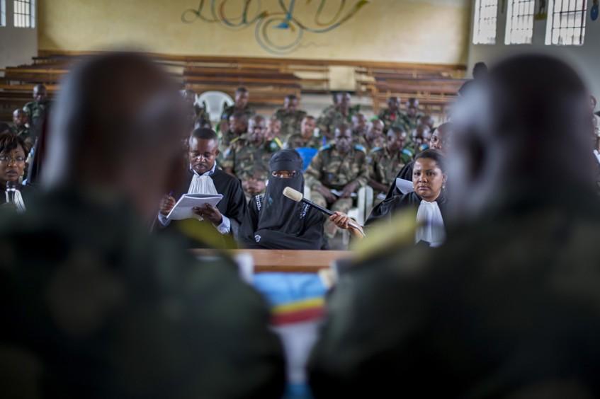 تحقيق صحافي مصور عن محاكمات المغتصبين في الكونغو يفوز بأرفع جائزة إنسانية