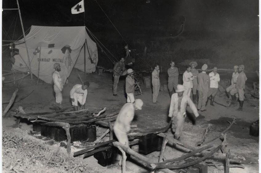 查科战争期间的人道工作