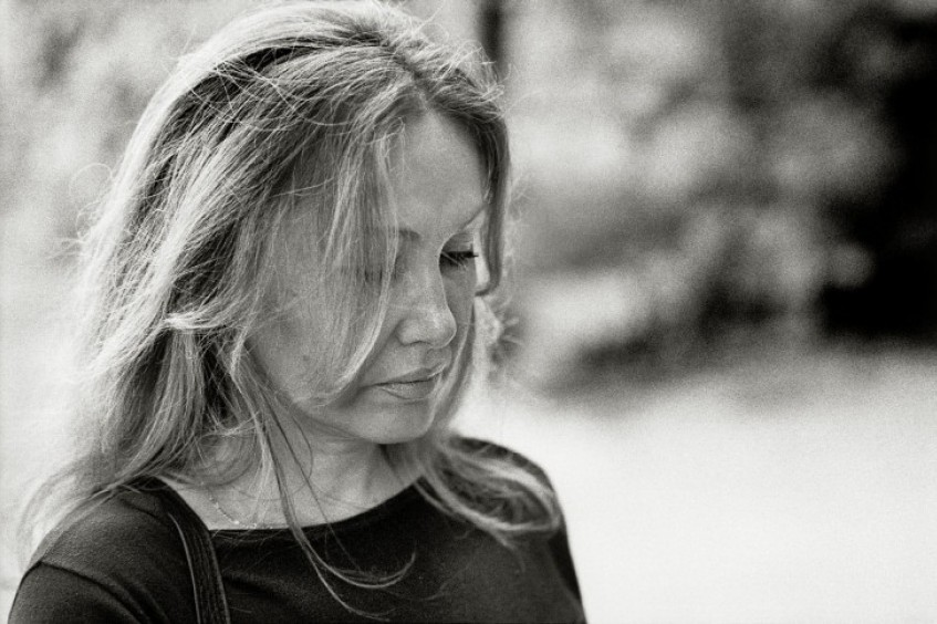 战争中的女性:逃离科索沃的奥丽娅