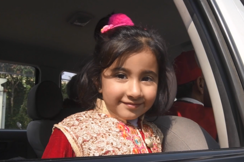D'Islamabad à Salzbourg : Zaïnab retrouve son papa