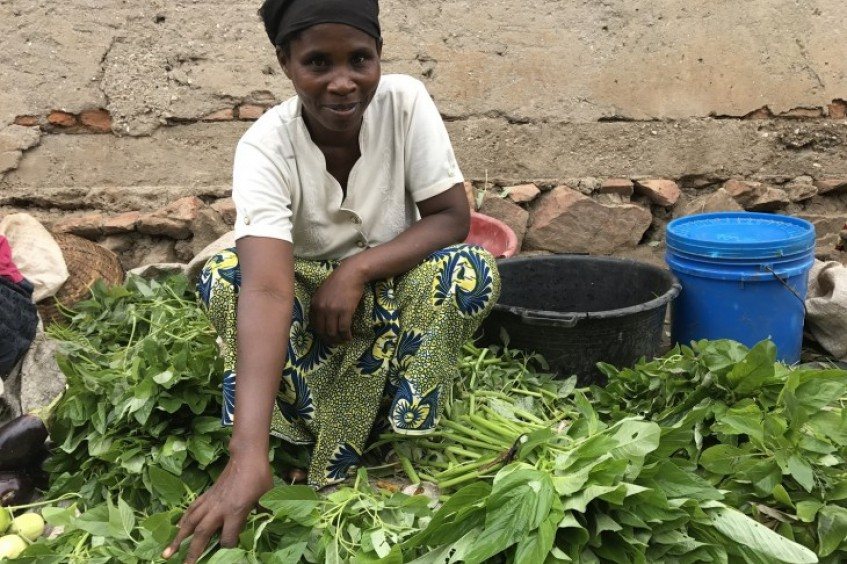 Burundi: One month's paid work helps 1,000 families