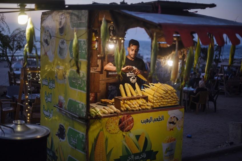 غزة: ذرة على الكورنيش