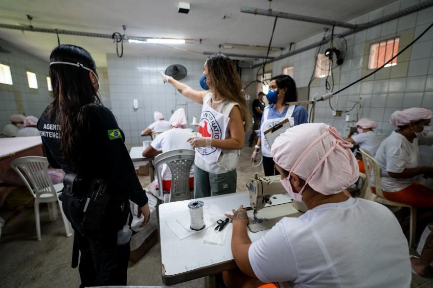 Brasil e Cone Sul: CICV apoia sistemas carcerários da região no enfrentamento à pandemia