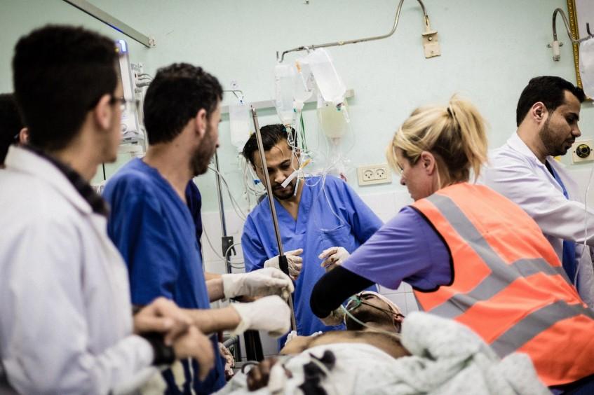Gaza: despliegue de cirujanos e insumos  para satisfacer las ingentes necesidades médicas