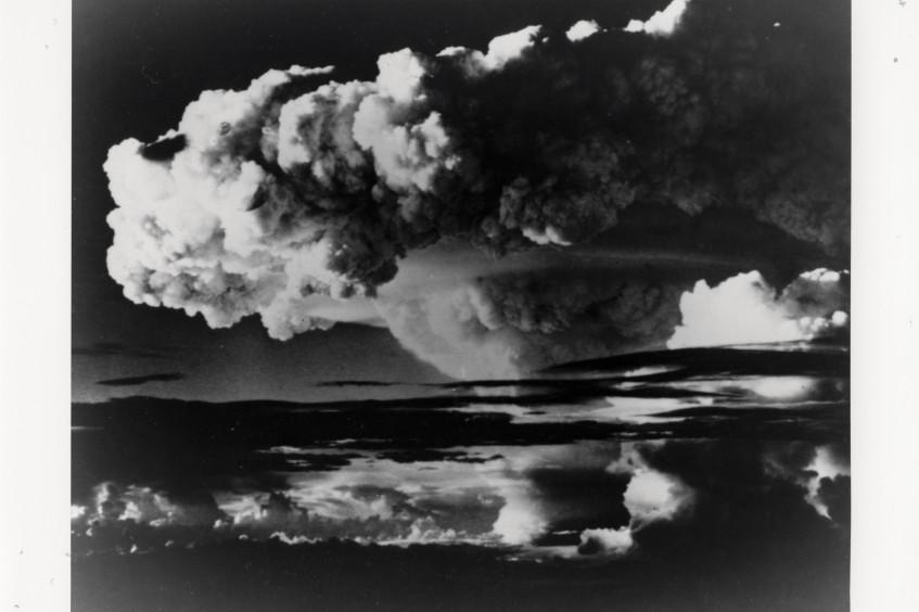 حظر الأسلحة النووية في عام 2021.. تاريخٌ يأبى النسيان