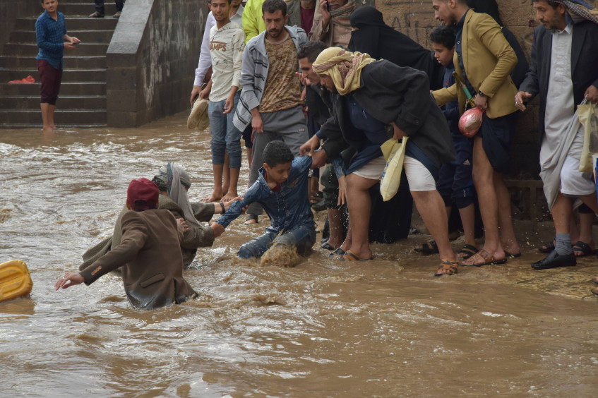 Yemen: Torrential floods wreak havoc in war-stricken country