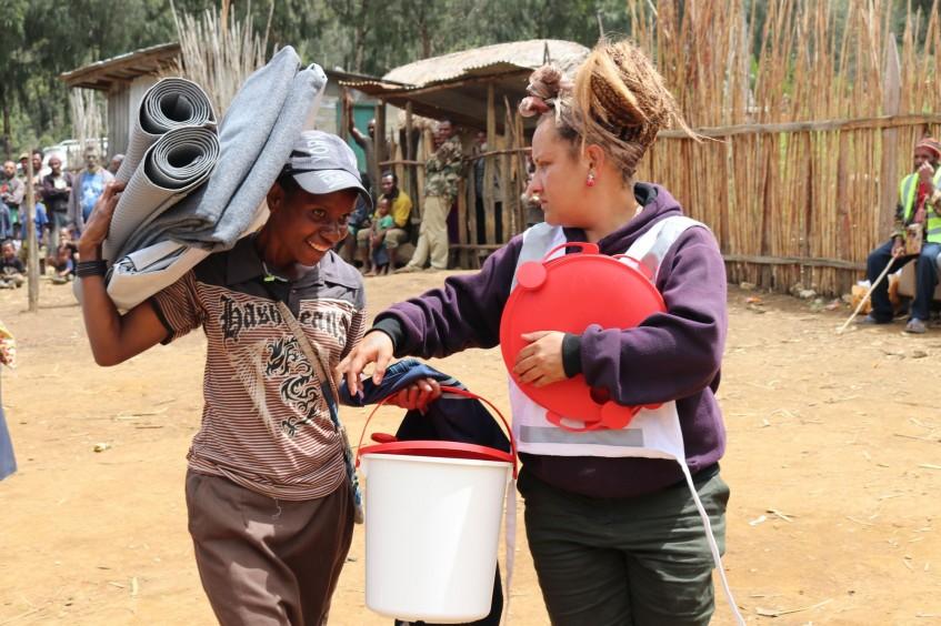 巴布亚新几内亚:应对地震灾区民众需求