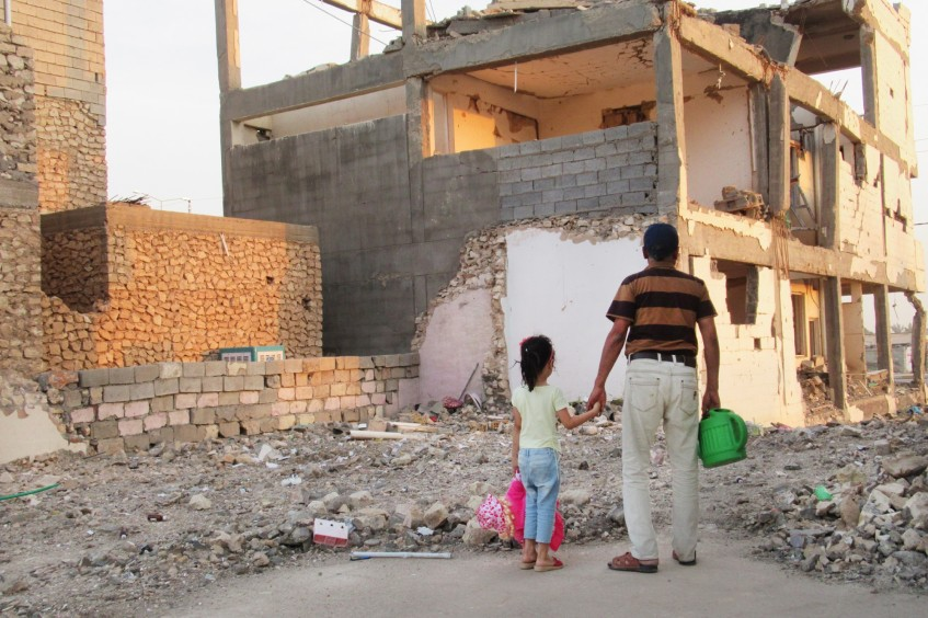 School girls in Iraq explore visual storytelling with Canon Europe and ICRC