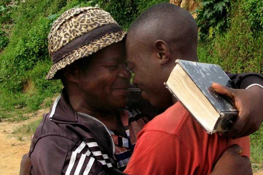 Número de famílias separadas por conflito, violência ou desastre natural vem aumentando nos últimos cinco anos, afirma o Comitê Internacional da Cruz Vermelha
