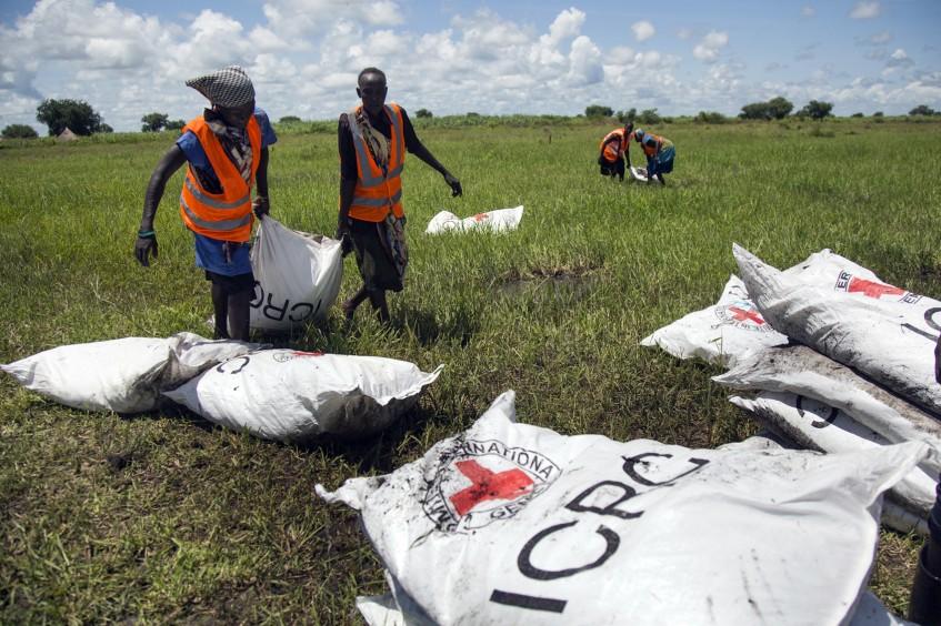 财新:南苏丹——ICRC在全球范围内还在进行食物空投的唯一一个国家