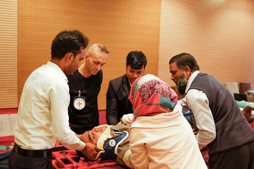 Cox's Bazar: Training course helps find method to emergency room chaos