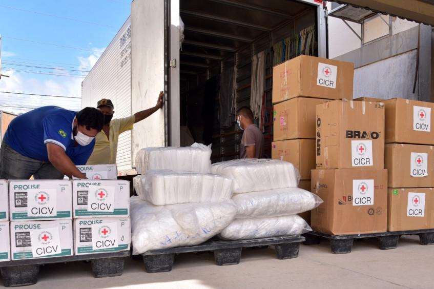 Brasil: Em nova alta de Covid-19 no país, CICV doa EPIs à rede de Saúde de Roraima