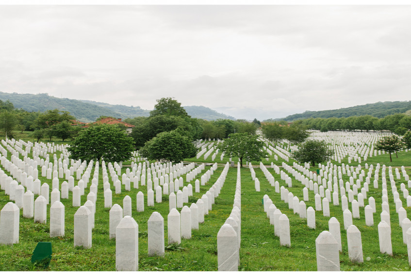 Трагедия в Сребренице: 25 лет спустя чтим память 8372 погибших