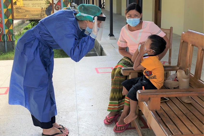 Myanmar: Ein Lächeln als schönste Belohnung