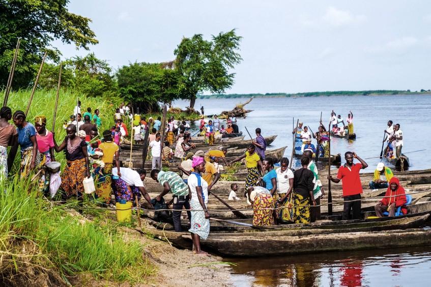 刚果民主共和国:尤姆比镇暴力冲突的严重后果