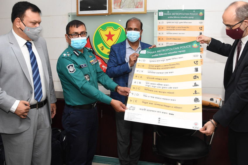 Dhaka: Traffic police personnel get trained in first aid