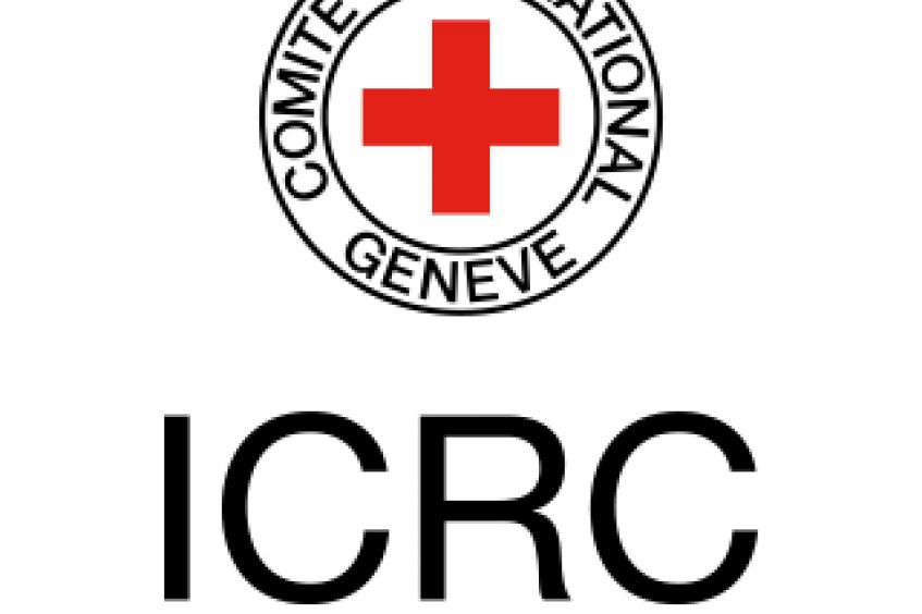 النيران تلتهم مخزون اللجنة الدولية للصليب الأحمر في حريق مرفأ بيروت