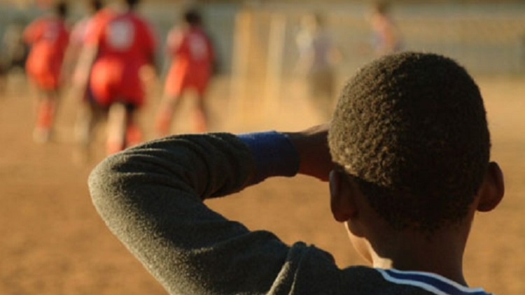África do Sul: futebol afasta os jovens da violência e do crime